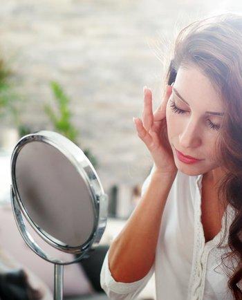 Como é que as alterações hormonais afetam o corpo?