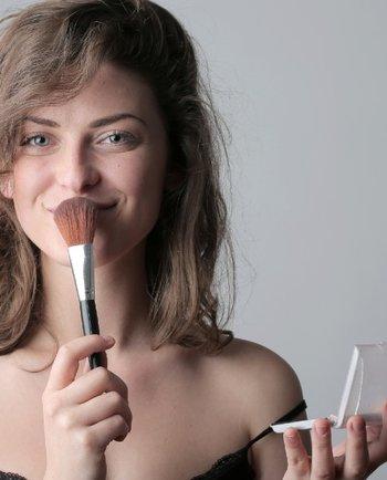 Contorno de Rosto: o segredo da maquilhagem