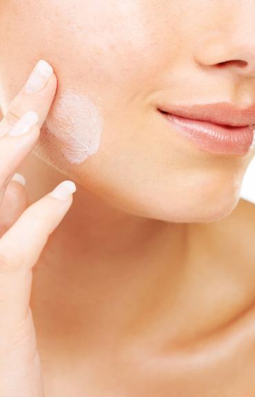 Massagens faciais: otimize a eficácia dos seus cremes