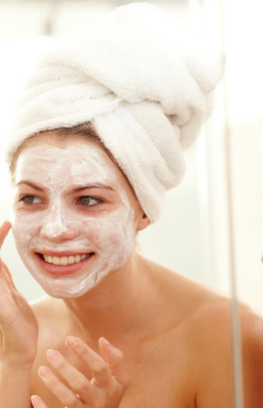 Máscaras faciais: os 5 melhores momentos para as aplicar