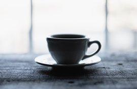 Pausa no teletrabalho com um café