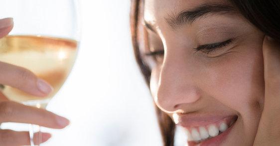 Beber álcool para esquecer? A sua pele vai lembrar-se...