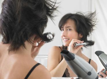 7 erros que estão a tirar volume ao seu cabelo fino