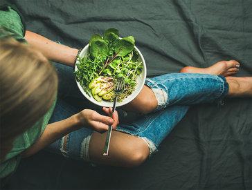 Está de dieta? 6 alimentos para comer à noite sem culpa